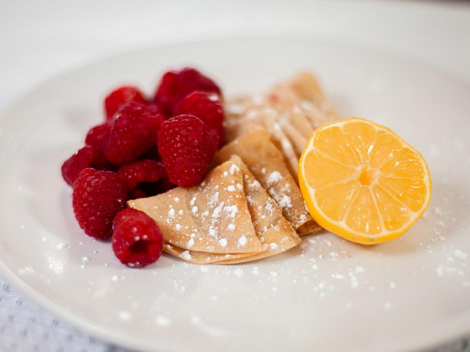Vegan Crêpes with Raspberries and Lemon