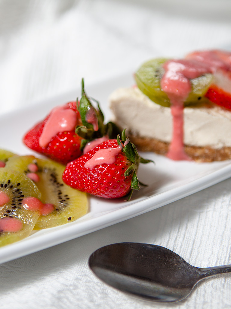 Raw Vegan Strawberry Kiwi Cheese Cake
