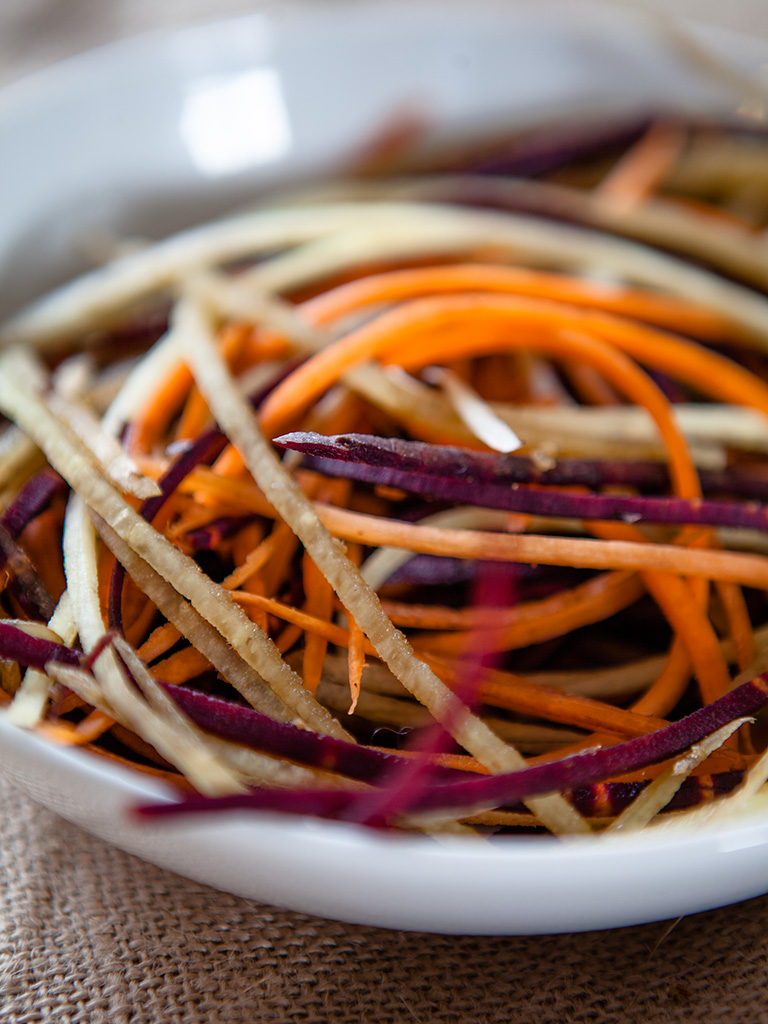 Creamy Garlic Carrot Salad