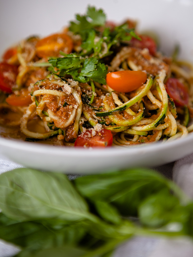 Raw Tomato Garlic Sauce with Zucchini Noodles