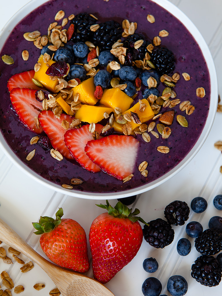 Summer Berry Smoothie Bowl