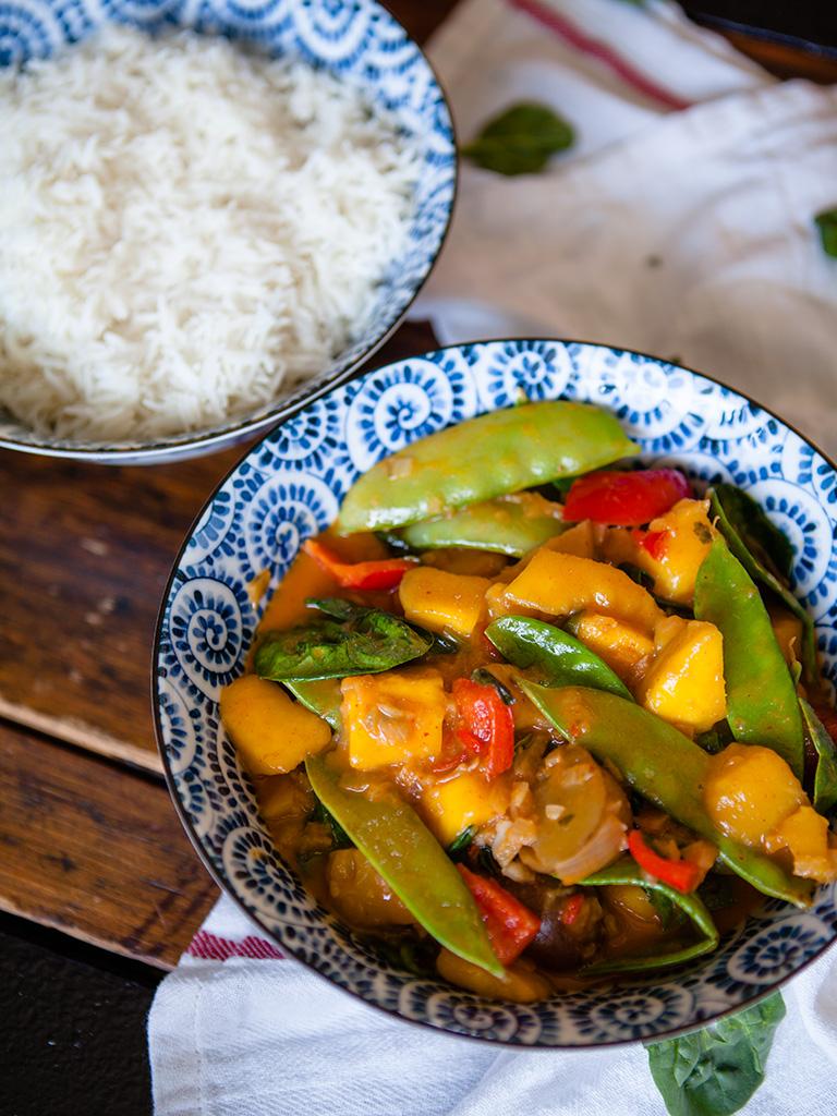 Vegan Mango Vegetable Curry