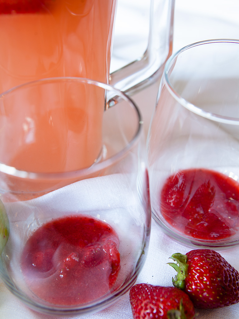 Strawberry Mint Spritzer