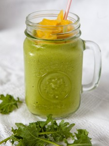 Creamy Kale and Pineapple Smoothie