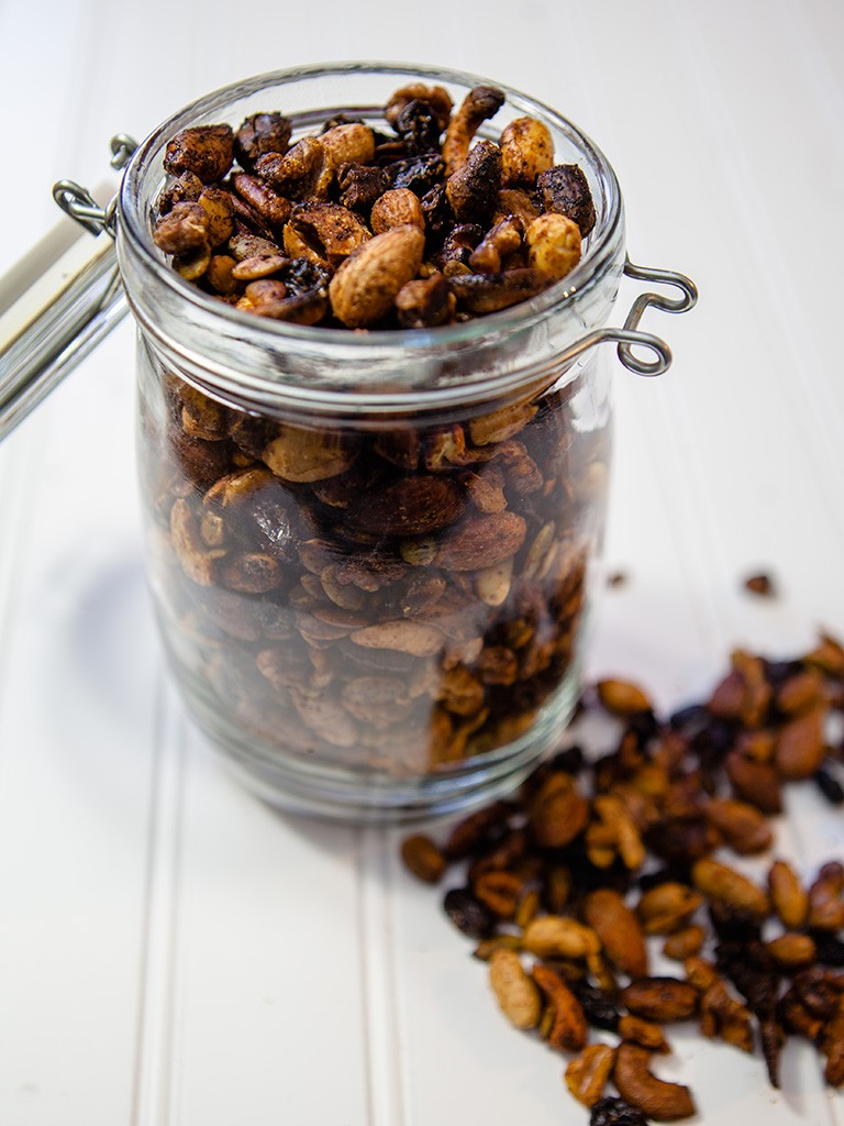Spicy Roasted Nuts And Raisins Healthy Food