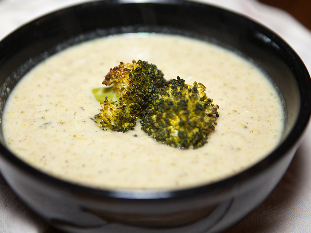 Vegan Creamy Cauliflower and Broccoli Soup